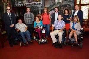 Representantes de los colectivos de personas con discapacidad, en una reunión previa en el Cabildo de Tenerife